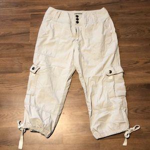 Pants - Juniors size 8 Khakis Capri pants